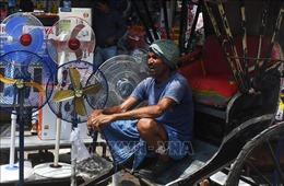 Nhiều người sốc nhiệt, tử vong do nắng nóng trên 50 độ C ở Ấn Độ