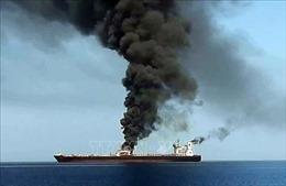 Hai tàu chở dầu bị tấn công cập bến UAE để đánh giá mức độ hư hỏng