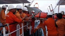 Cứu nạn thuyền trưởng bị chân vịt chém vào ngực tại vùng biển Hoàng Sa
