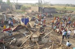 Hàng chục người thiệt mạng do mưa bão và lở đất tại Nam Á