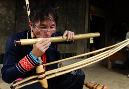 Lý A Lệnh - Nghệ nhân chế tác khèn Mông trên núi Thẩm Hái