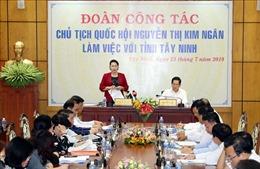 Chủ tịch Quốc hội Nguyễn Thị Kim Ngân làm việc với lãnh đạo chủ chốt tỉnh Tây Ninh