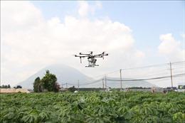 Đưa máy bay không người lái vào phục vụ sản xuất nông nghiệp