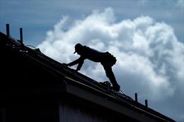 Tốc độ xây dựng nhà ở tại Mỹ chậm lại, lòng tin tiêu dùng giảm