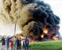 Xe chở nhiên liệu phát nổ tại Uganda, ít nhất 19 người thiệt mạng