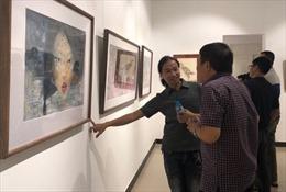'Góp dó 2': Tình yêu hội họa và niềm đam mê gửi vào giấy dó