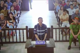 Tuyên phạt bị cáo Trần Đình Sang 2 năm tù giam về tội chống người thi hành công vụ