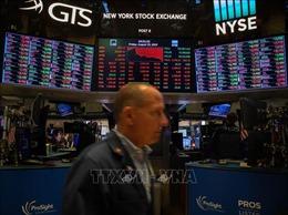 Các thị trường chứng khoán châu Âu và Mỹ giảm điểm