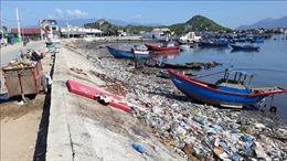 Báo động rác thải ở các bãi biển Ninh Thuận