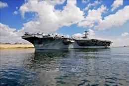 Tàu sân bay Mỹ đi qua Eo biển Hormuz