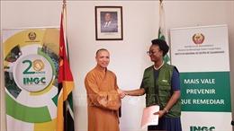 Giáo hội Phật giáo Việt Nam trao tặng 100 tấn gạo hỗ trợ người dân Mozambique