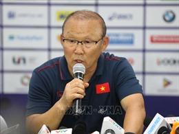 HLV Park Hang-seo nhận trách nhiệm về bàn thua của Bùi Tiến Dũng