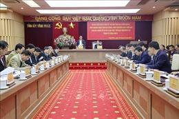 Đồng chí Trần Cẩm Tú làm việc với Ban Thường vụ Tỉnh ủy Vĩnh Phúc