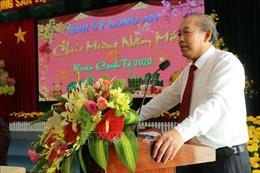 Phó Thủ tướng Thường trực Chính phủ Trương Hòa Bình chúc Tết nhân dân tỉnh Long An