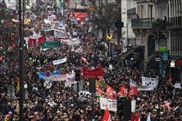 Hàng nghìn người biểu tình phản đối cải cách lương hưu tại Pháp