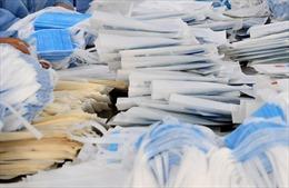 Bắt giữ vụ vận chuyển hơn 300.000 khẩu trang nghi xuất lậu qua biên giới