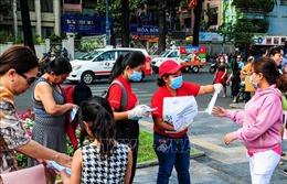 Ấm lòng nhiều địa chỉ phát khẩu trang miễn phí tại TP Hồ Chí Minh