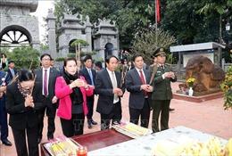 Chủ tịch Quốc hội dâng hương tại Di tích Quốc gia Bạch Đằng Giang