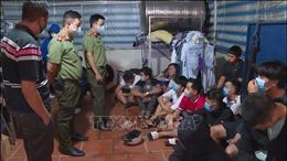 Đắk Lắk: Xử phạt cơ sở kinh doanh internet lén lút mở cho 33 thanh niên 'cày game'