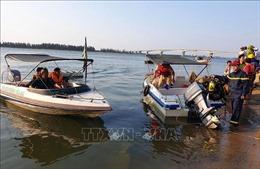 Chìm đò trên sông Thu Bồn, 5 người mất tích