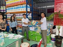 Nghĩa cử ấm áp tình người Việt trong mùa dịch COVID-19 tại Malaysia