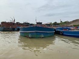Triệt phá 4 ổ nhóm chuyên tổ chức khai thác cát trái phép trên sông Hồng