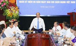 Thủ tướng Nguyễn Xuân Phúc thăm, chúc mừng Báo Nhân Dân nhân dịp 21/6
