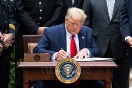 Tổng thống Mỹ gia hạn trừng phạt Triều Tiên thêm một năm