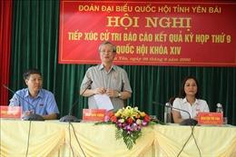 Đồng chí Trần Quốc Vượng tiếp xúc cử tri huyện Trấn Yên, tỉnh Yên Bái