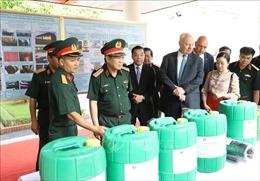 Bộ trưởng Ngô Xuân Lịch thăm, làm việc với Trung tâm Nhiệt đới Việt - Nga