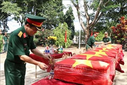 Truy điệu, an táng hài cốt 10 liệt sỹ thuộc Trung đoàn 271