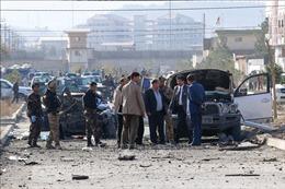 Taliban đánh bom liều chết nhằm vào đoàn xe quân đội Afghanistan