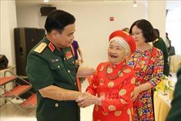 Gặp mặt 300 đại biểu Bà mẹ Việt Nam Anh hùng