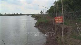 Trà Vinh công bố tình trạng khẩn cấp sạt lở đoạn đê bao khu dân cư ở Trà Cú