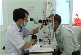 Khám, phẫu thuật mắt miễn phí cho các đối tượng chính sách trên địa bàn Tây Nguyên