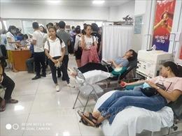 Vụ lật xe khách tại Quảng Bình: Người dân xếp hàng sẵn sàng hiến máu cấp cứu nạn nhân