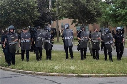 Mỹ tăng cường nhân viên liên bang tới các thành phố để đối phó bạo lực