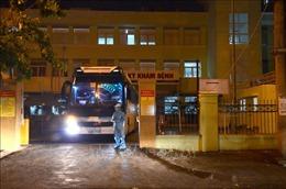 Huy động lực lượng vận chuyển người bệnh ra khỏi Bệnh viện Đà Nẵng