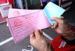 Theo chân người Đà Nẵng đi chợ bằng thẻ