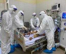 Kiểm soát nhiễm trùng bệnh viện và dinh dưỡng cho bệnh nhân COVID-19 nặng