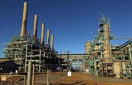 Lực lượng quân đội tự xưng tại Libya dỡ bỏ phong tỏa đối với các cảng dầu