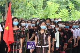 Học sinh cả nước hân hoan vào ngày khai giảng năm học mới