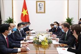 Thủ tướng Nguyễn Xuân Phúc tiếp Thứ trưởng Thương mại Vương quốc Anh