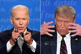 Tổng thống Trump và ứng cử viên Joe Biden cạnh tranh quyết liệt tại Florida vàArizona