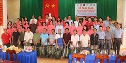 Tặng 1.000 áo phao cứu sinh cho ngư dân khó khăn tỉnh Bình Định