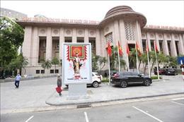 Phố phường rực rỡ cờ hoa chào mừng 1010 năm Thăng Long - Hà Nội