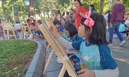 Vun đắp tình hữu nghị qua Cuộc thi vẽ tranh 'Em yêu Hà Nội - Thành phố vì hòa bình'
