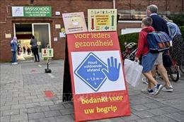 Nhiều nước châu Âu tái áp đặt các biện pháp cách ly