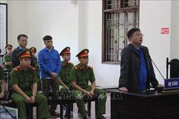 Giảm án một năm tù giam cho hai bị cáo trong vụ xét xử phúc thẩm gian lận điểm thi ở Hòa Bình