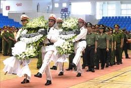 Lễ viếng Đại úy Trương Văn Thắng hy sinh khi giúp dân sau lũ dữ
